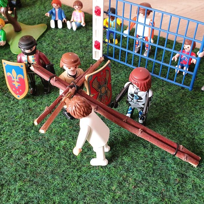 9. Station: Jesus fällt zum dritten Mal unter dem Kreuz (Niklas)